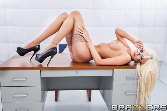 Rikki Six boobjob